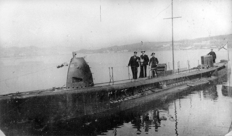 Подводная лодка типа «Касатка» в первоначальном «двухрубочном» варианте.