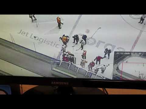 Никита Клещенко сломал челюсть Джесси Блэкеру на тренировке Барыса