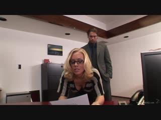 Секретарша шикарная на каблуках горячая в чулках секс порно ххх xxx 18 грудастая Nicole Aniston