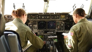 WOW, U.S. Air Force Beautiful Female Pilots Show Their Mettle