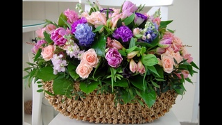 Какой букет выбрать, насколько подорожают цветы и чего хотят женщины!