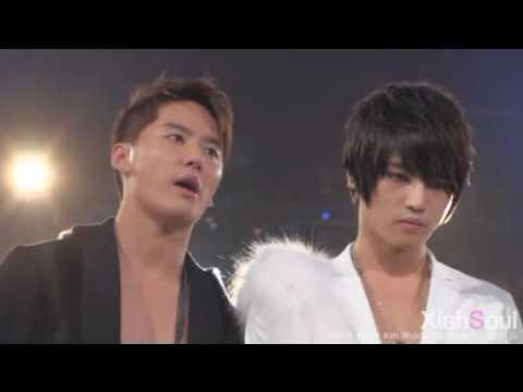 Junsu fancam MKMF Holding back his tears