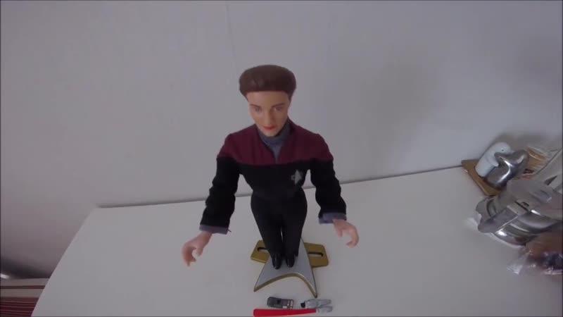 Звездный путь Вояджер обзор фигурки капитана Кетрин Джейнвей 1997 года русская версия