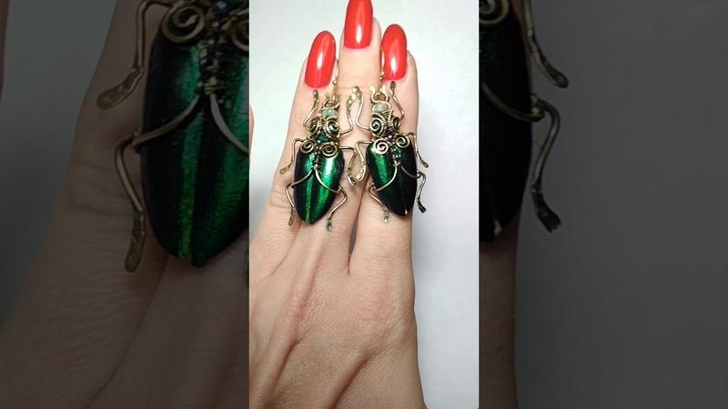 Wire wrap jewelry by Viktoriya Langovaya.