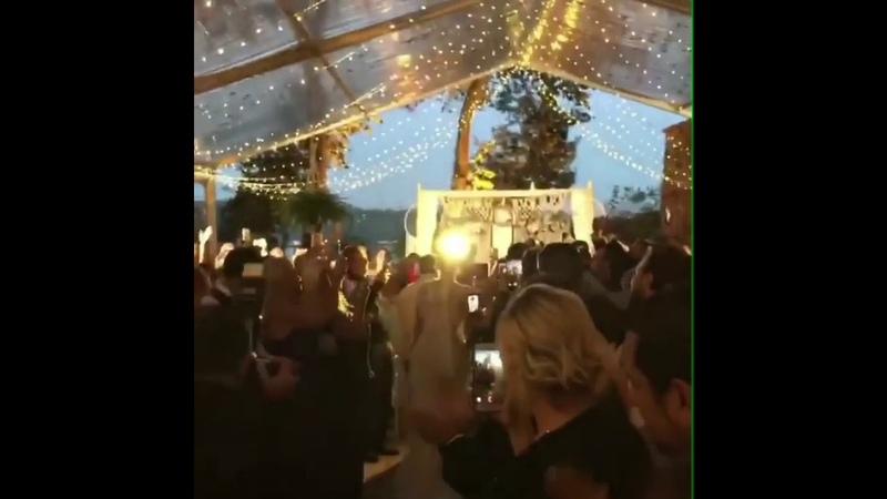 Fahriye Evcen ve Burak Özçivit Ferhan Şensoy'un Düğününde Paylaşılan Tüm Storyler / 6 Eylül 2018