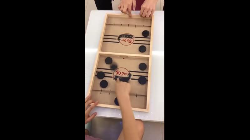 Версия игры аэрохоккей из Азии
