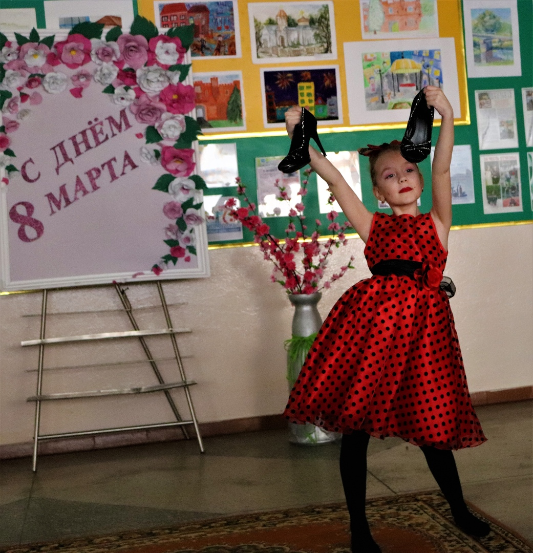 """Фестиваль детского творчества """"Хочу на сцену"""" прошёл в школе № 28 Бреста"""