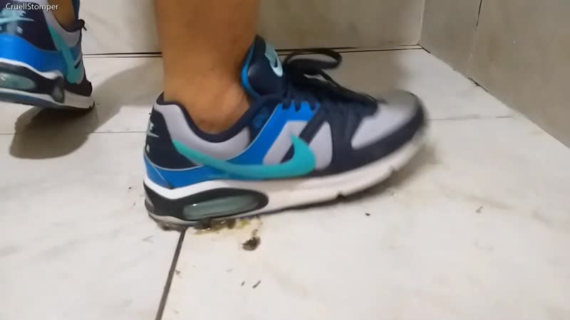 Crushing shit snails with my Nike Air Command 85kg