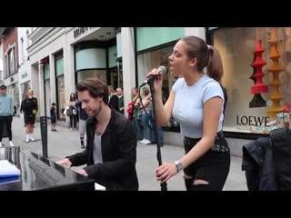Зажигательный кавер на улице Avril Lavigne - Complicated в исполнении Allie Sherlock