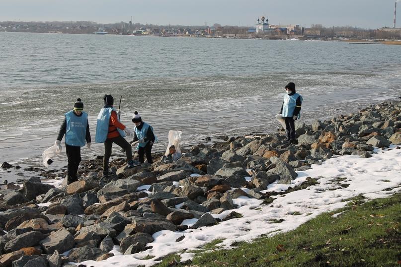 На челябинском озере Смолино прошёл масштабный экосубботник, image #6