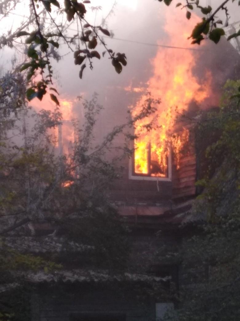 В центре Бреста (Советская-Мицкевича) горел нежилой дом