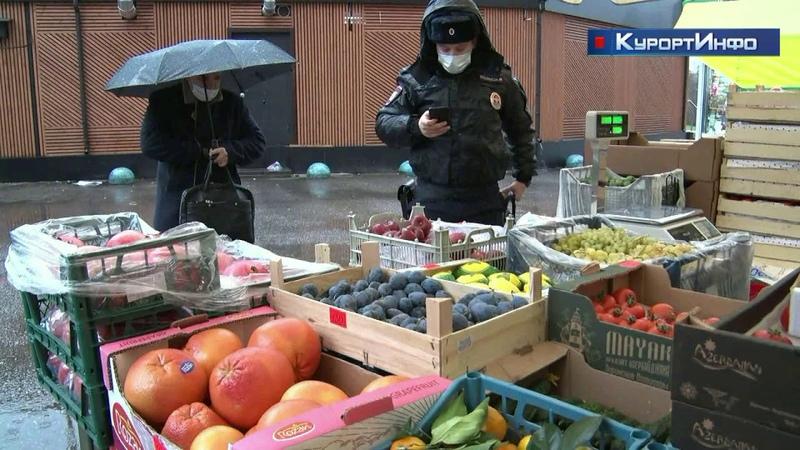 Полиция проверила законность уличной торговли на улице Токарева в Сестрорецке