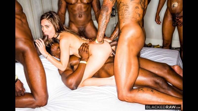 Riley Reid ( Girlfriend Gangbang At The After Party) anal sex
