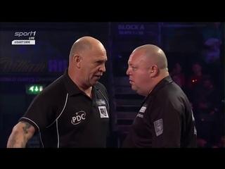 Mervyn King vs Zoran Lerchbacher. Incident with the lights?.World Darts Championship