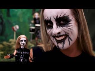Black metal barbie or daughters of northern darkness