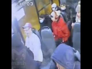 Мужчину убили из-за просьбы надеть маску