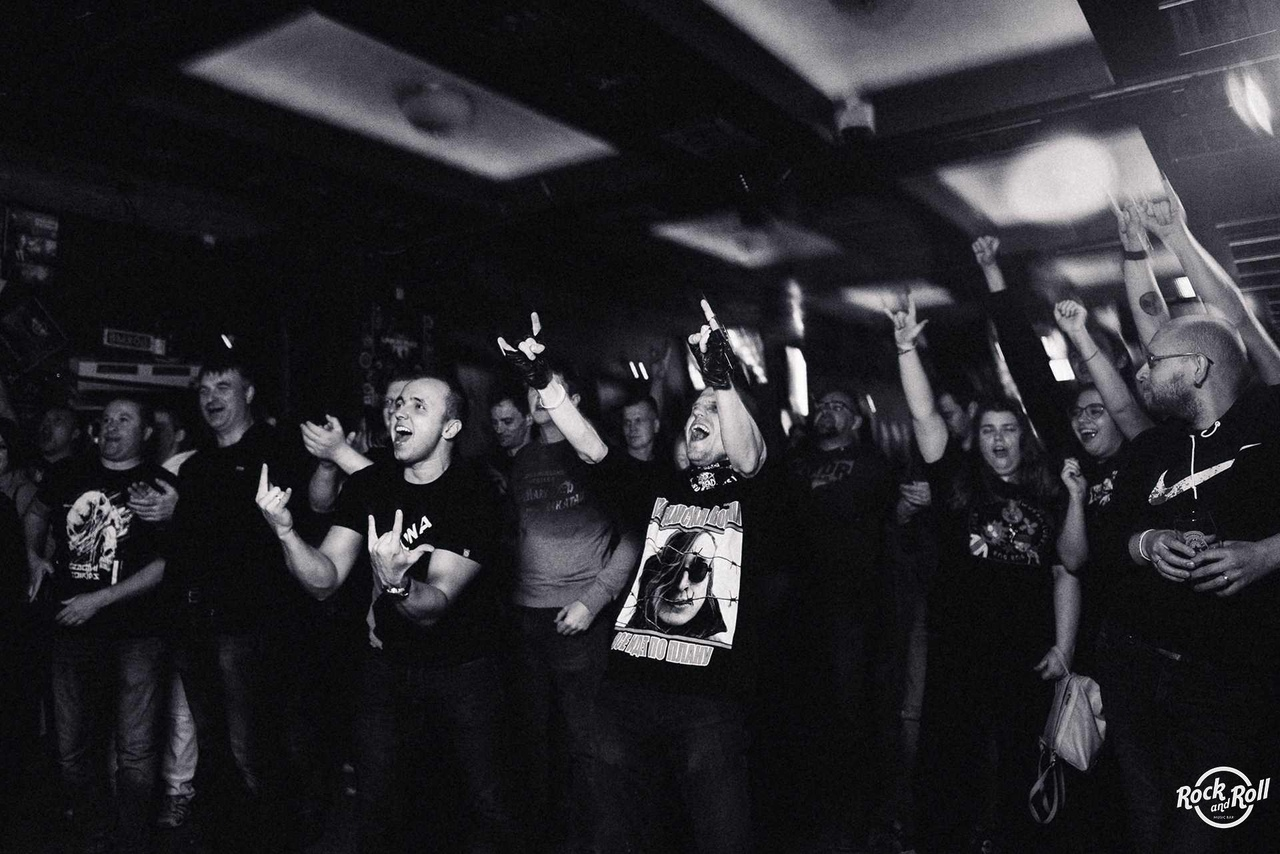 рок концерт публика