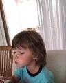 Максим Галкин on Instagram Всем приятного аппетита! #дети #семья #обед #гарригалкин #елизаветагалкина #максимгалкин #аллапугачева