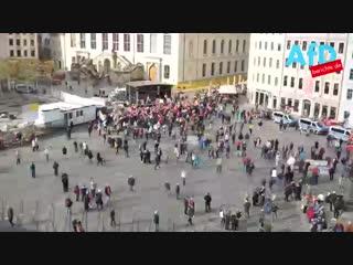 Pegida in dresden - 4.geburtstag  - zehntausend feiern geburtstag.mp4