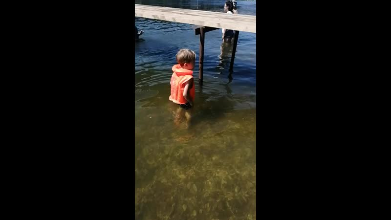 Июль 2020 Саргая Миша учится плавать