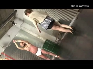 Японские извращения, порка,  туалет