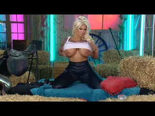 Candy Charms - Playboy TV Chat