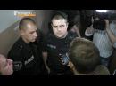 """Харківські активісти """"із боєм"""" проривалися до судді після засідання по справі Кернеса"""