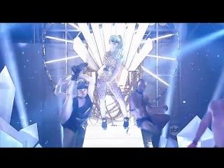 Участница бразильского телешоу исполнила кавер-версию песни Леди Гага Born This Way