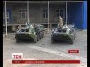 Студенти Чорноморського університету передали морським спецпризначенцям відремонтовані БТРи