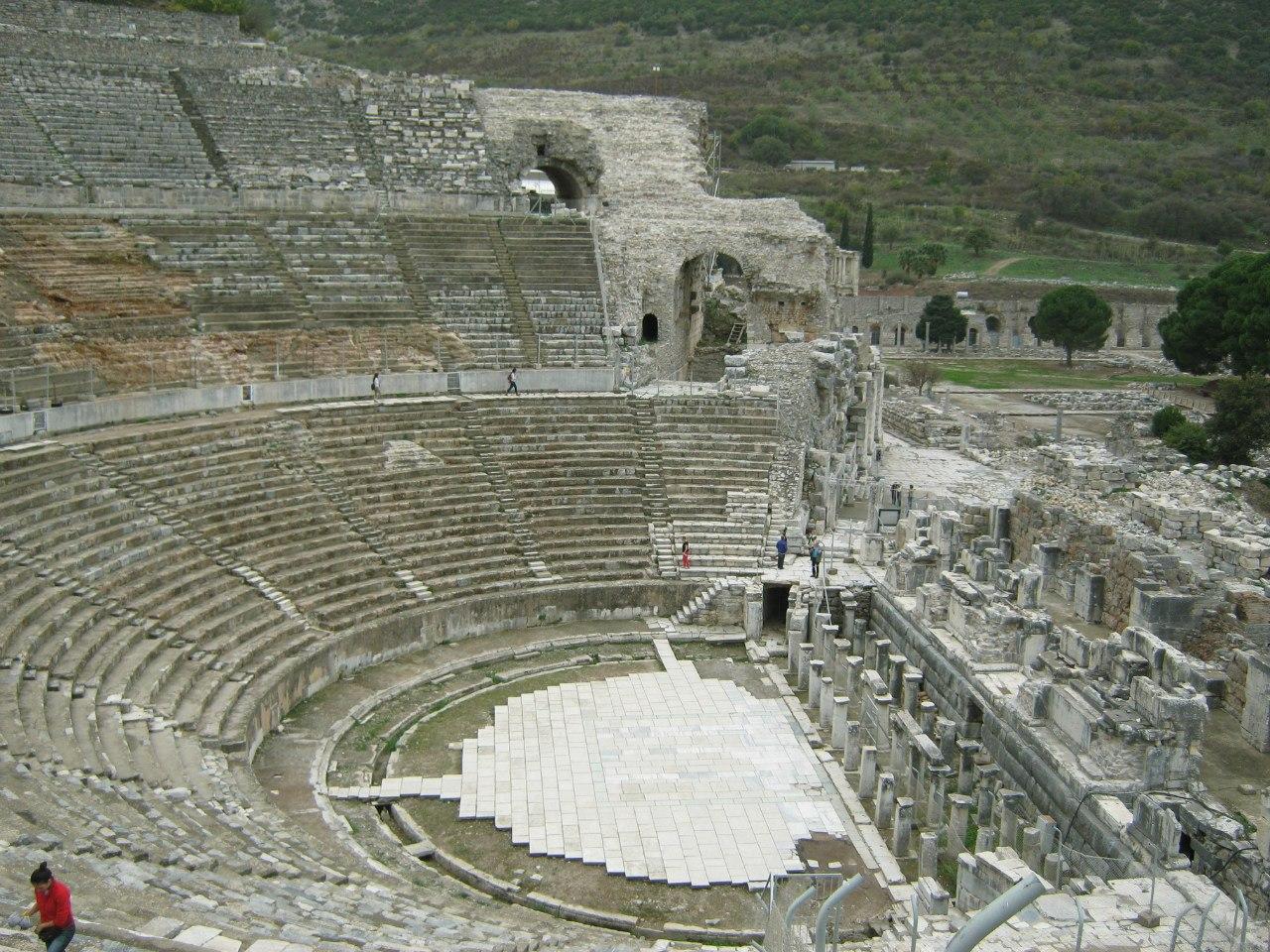 Основной амфитеатр древнего города Ефес