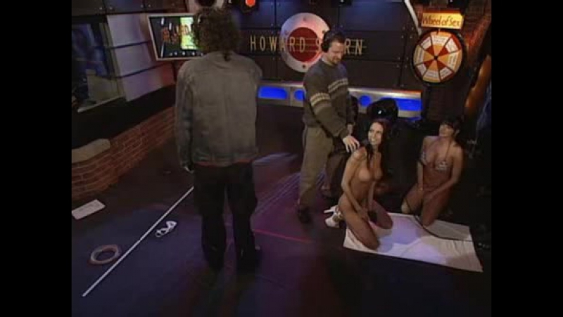 How howard stern gets celebrities to reveal almost everything