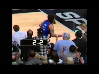 Spurs fan grabbed Steven Adams arm on the final possession Spurs vs Thunders