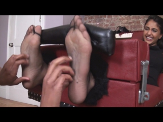 Prya Black Nylon Tickle