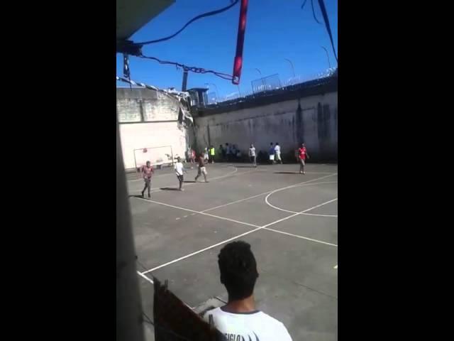 EXCLUSIVO Veja vídeo do momento da fuga dos detentos da Penitenciária Industrial de Caxias do Sul