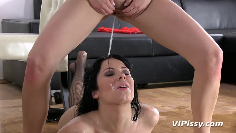 Antonia Sainz, Luna Ora [HD porno, sex, tits, natural boobs, big ass, lesbian, licking, toys, pissing, golden shower]