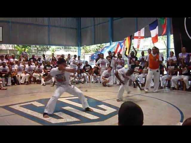 Jabazinho e Magrela capoeira muzenza