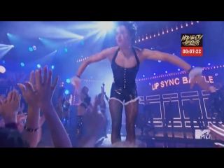"Tom Holland- на шоу ""Lip Sync Battle"" | Том Холланд переоделся в девушку"