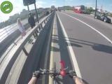 Находчивый велосипедист