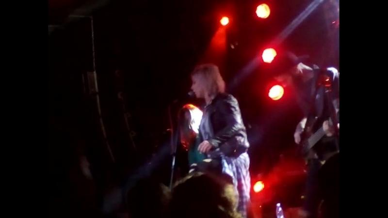 Концерт Louna поёт Лори Лори