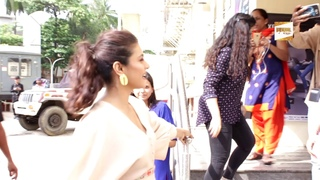 "Kajol Spotted JUHU PVR For Trailer Launch ""Incredibles 2"""