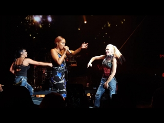 """Gwen Stefani featuring Eve - """"Rich girl"""" - LIVE @ the DTE Energy Music theatre - 8⁄2⁄2016"""