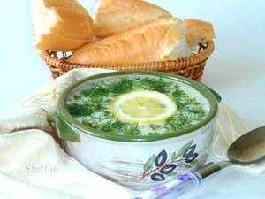 Греческий рисовый суп Авголемоно