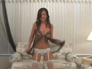 Christina lucci случайная обнажёнка. стриптиз. большие сиськи [720p]
