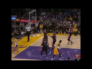D'angelo Russell no look pass to Mozgov for a mean dunk! Preseason Game Lakers vs. TrailBlazers