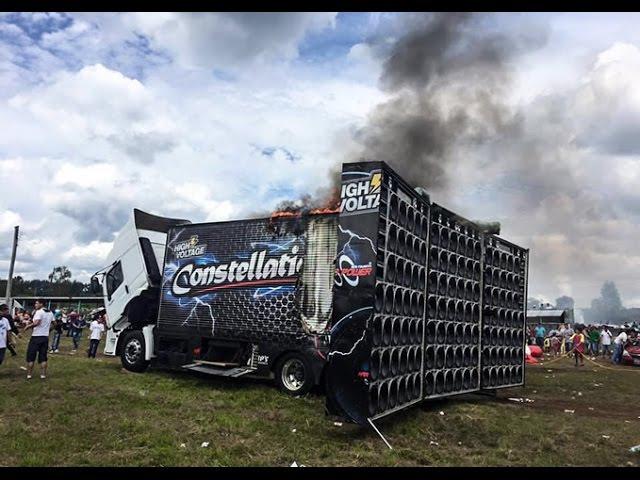 Caminhão Constellation G2 Pega fogo em evento de Som Automotivo