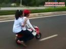 Ko chê a nghèo thì lên xe Moto mini 50cc anh đèo nè