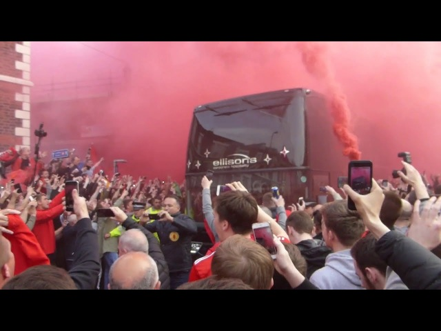 Crazy scenes liverpool v villarreal smoke grenades flares coaches at anfield lfc bus