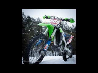 Мотокросс и эндуро зимой - первая зимняя тренировка без шипов на треке в Стеклян ...