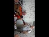 Во русские Поют Казахскую песню под гитары