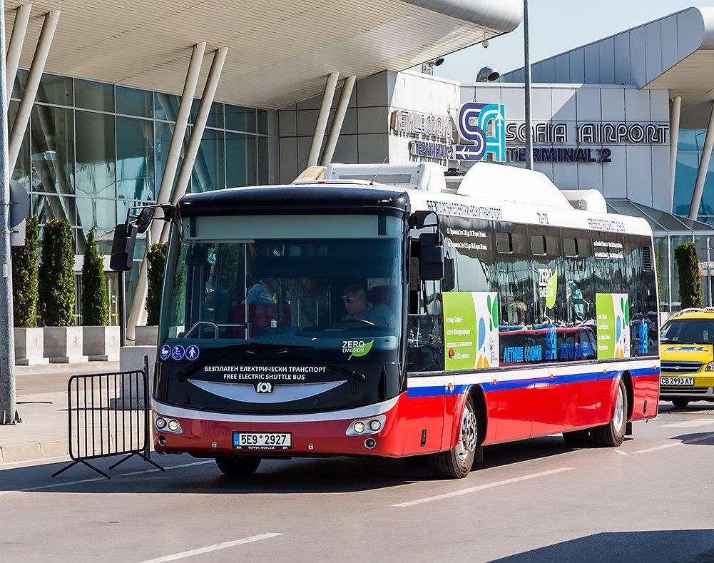 Автобус-шаттл в аэропорту Софии